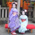 辰巳神社前の舞妓さん